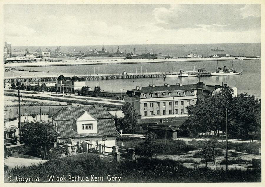 Gdynia - widok na port z Kamiennej Góry (pocztówka)