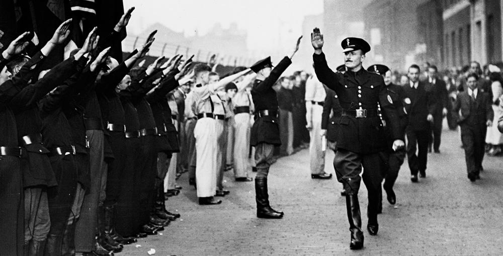 Brytyjska Unia Faszystów; na pierwszym planie sir Oswald Mosley