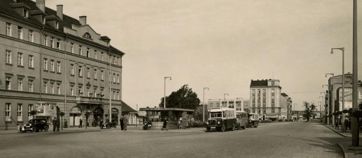 Gdynia, pl. Kaszubski, 1933 rok (domena publiczna)