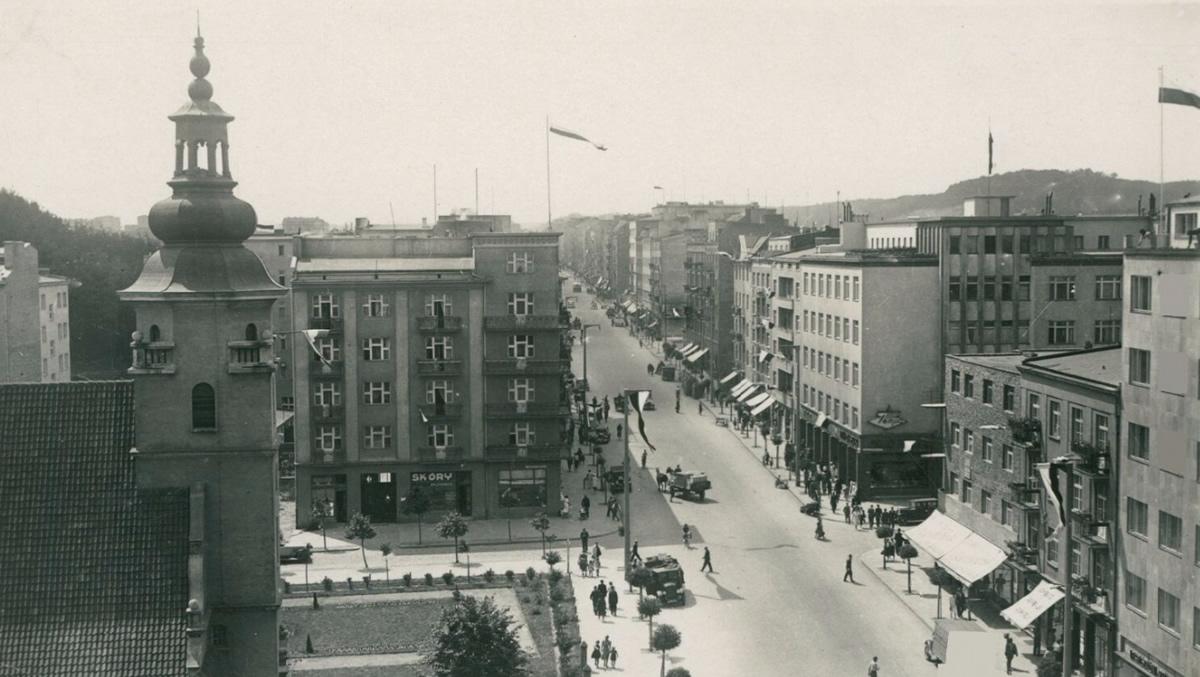 Gdynia ul. Świętojańska, ok. 1930 roku (domena publiczna)