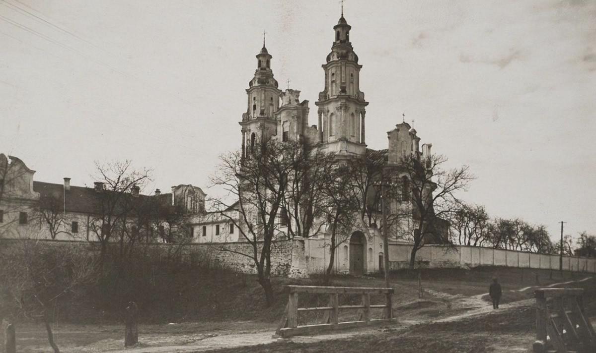 Wspomniany w artykule klasztor w Berezweczu, w którym rzekomo odnaleziono grób Podbipięty (domena publiczna)