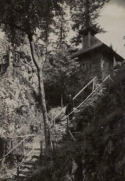 Pustelnia Pienińska wraz z pustelnikiem (pocztówka)