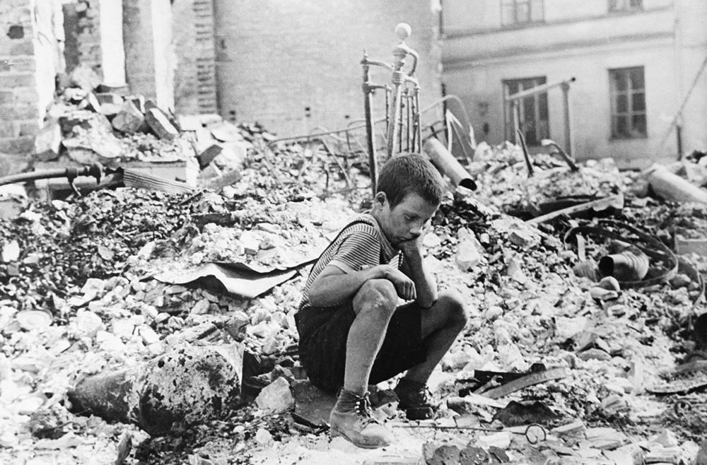 Warszawa w gruzach - 1939 rok