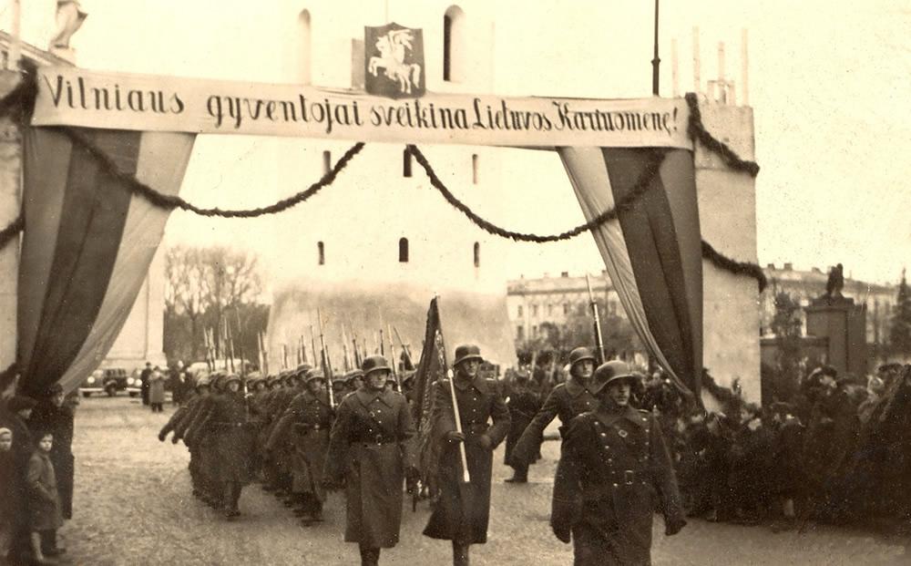 Uroczystość przyłączenia Wilna do Litwy - 26 październik 1939 (domena publiczna)